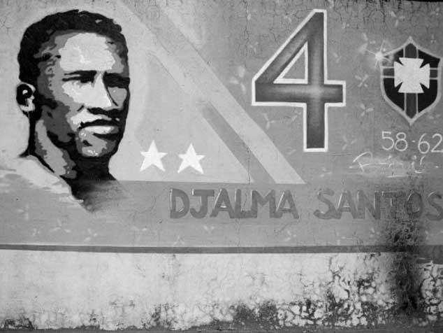 Djalma Santos ganó dos Mundiales.