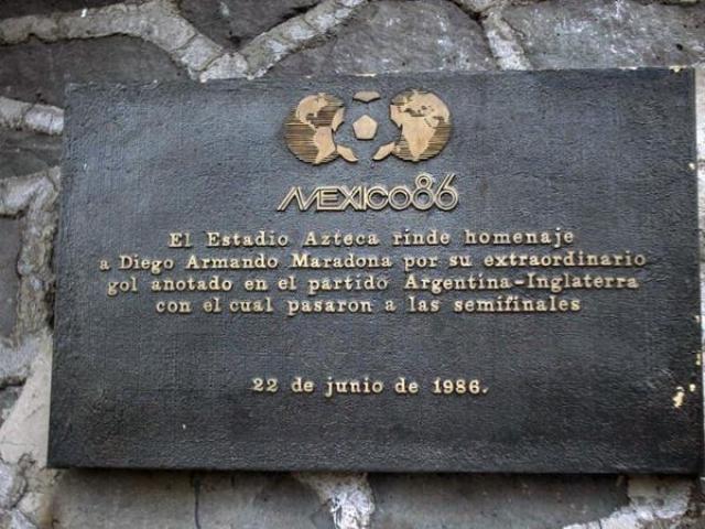 Maradona también obtuvo su placa en 1986 por su gol a los ingleses.