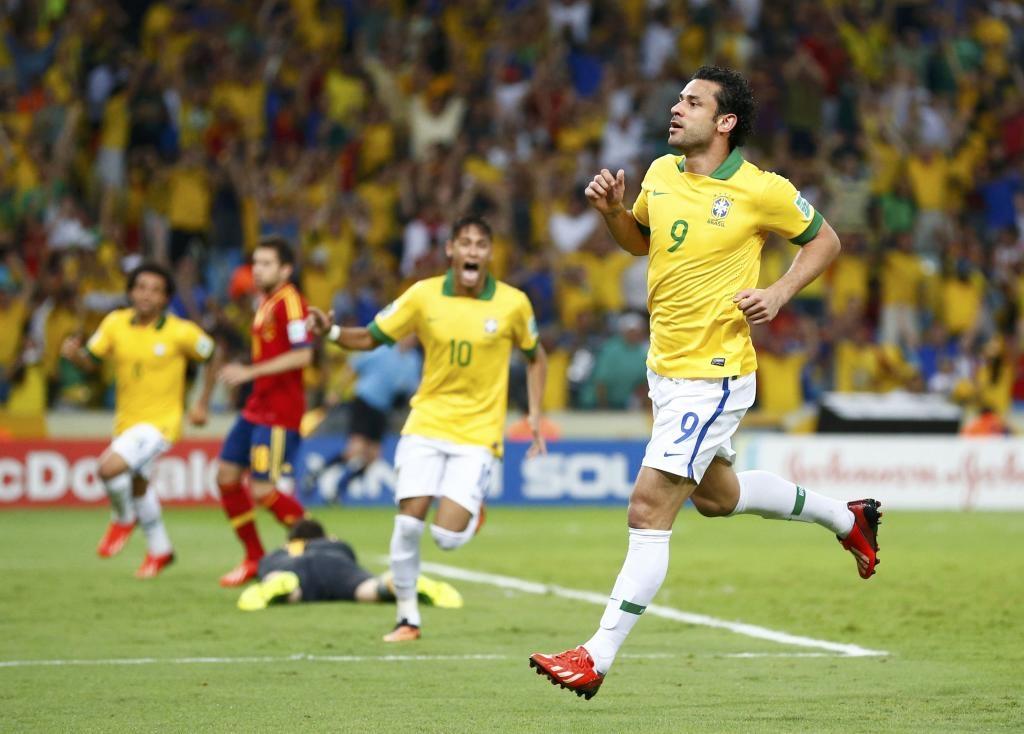 Brasil gana la Copa Confederaciones al golear a España por 3-0