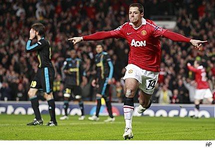Chicharito golea en la Premier con la camiseta del United