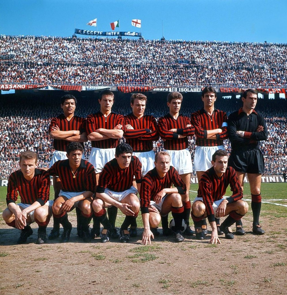 El Milan jugó con una camiseta sin publicidad mucho tiempo.