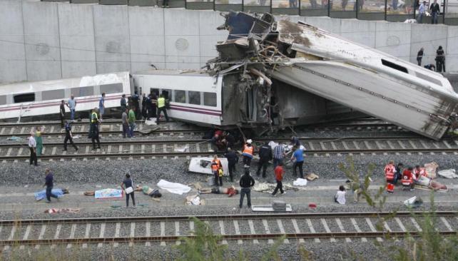 El accidente de Santiago se ha saldado con 79 muertos.
