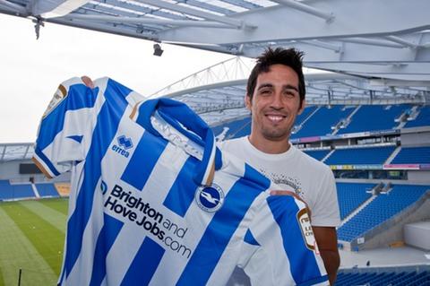 Vicente ha estado dos años en el Brighton.
