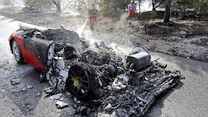Así quedó el Ferrari de Banega tras el incendio.
