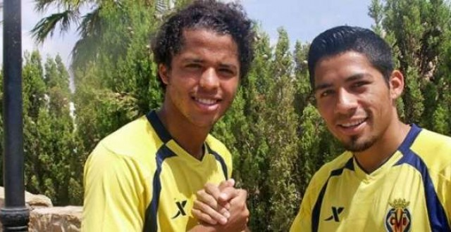 Giovani Dos Santos y Javier Aquino, compañeros en el Villarreal y en la selección mexicana.