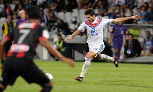 Gourcuff marcó un golazo de falta en su primer partido de Liga.
