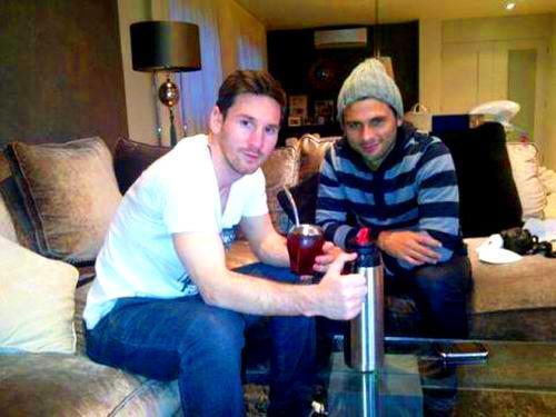 Leo Messi y Maxi Biancucchi son primos por parte de madre.