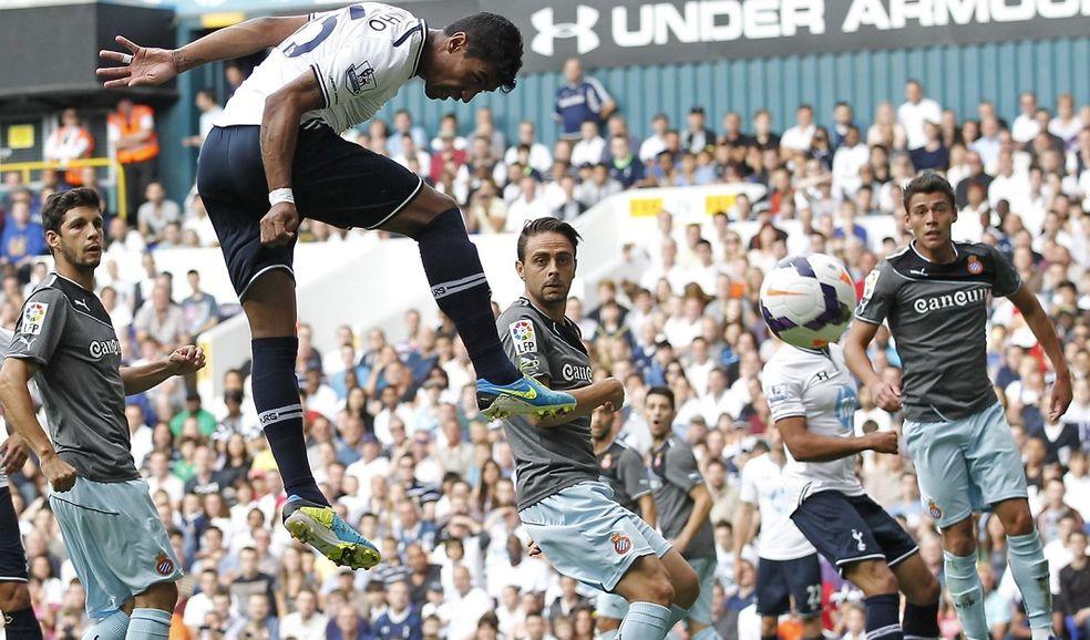 Paulinho está haciendo buen papel en el Tottenham.