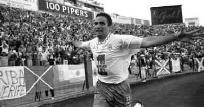 Juan Antonio Pizzi fue el goleador del Tenerife.