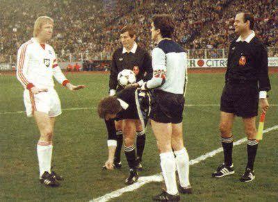 El mítico Arconada defendió la portería de la Real Sociedad en la vieja Copa de Europa.