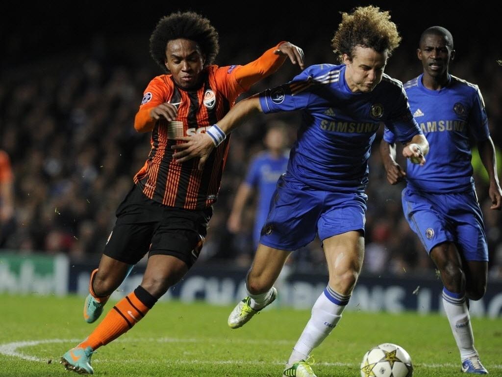 David Luiz y Willian van a ser ahora compañeros en el Chelsea.