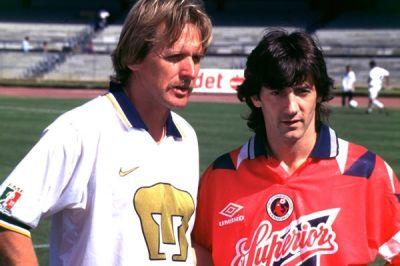 Jose Mari Bakero y Bernd Schuster vivieron el ocaso de su carrera en México.