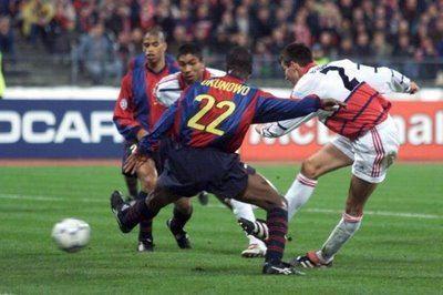 Okunowo llegó a jugar tres partidos en la Champions con el Barça.