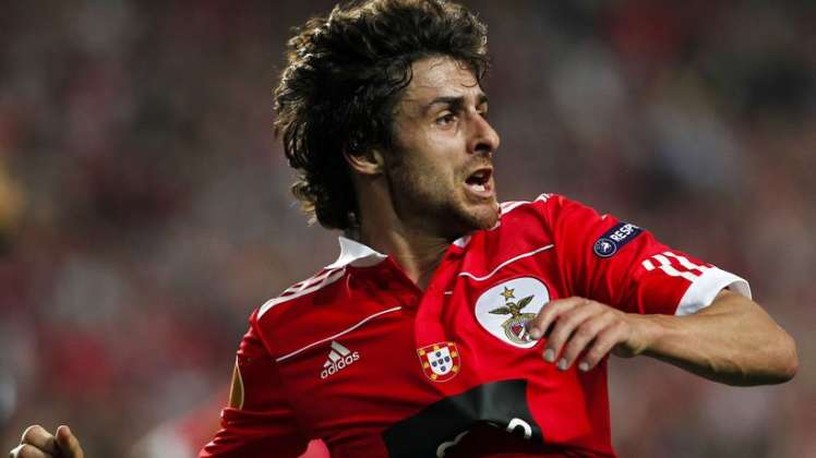 Pablo Aimar is in Argentina awaiting an offer to seduce you.