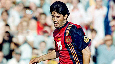 Caminero in the shirt of the Spanish team at Euro 1996.