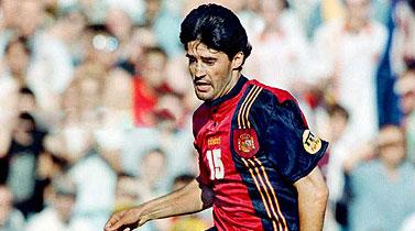 Caminero con la camiseta de la selección española en la Eurocopa de 1996.