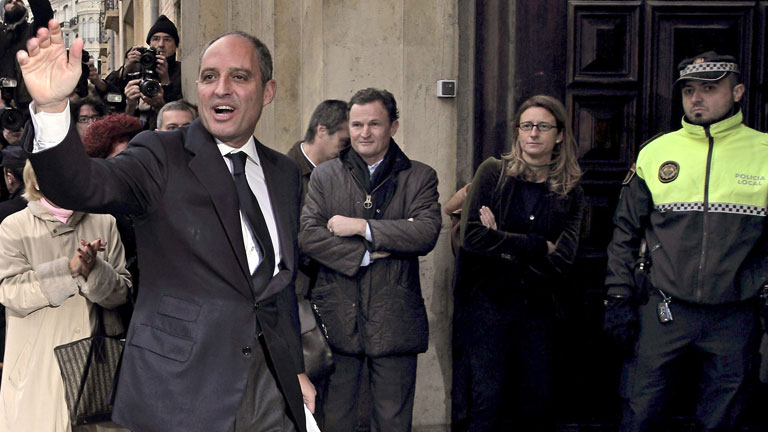 Parece que ir al juzgado es ir a una fiesta.