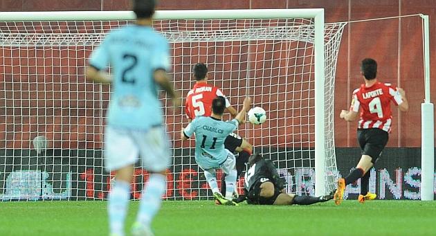 El brasileño Charles ha anotado el primer gol del nuevo San Mamés.