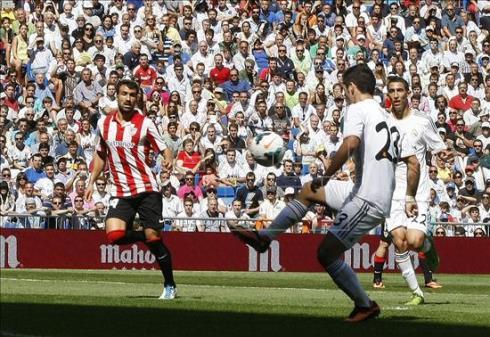 Isco hizo un doblete contra el Athletic.