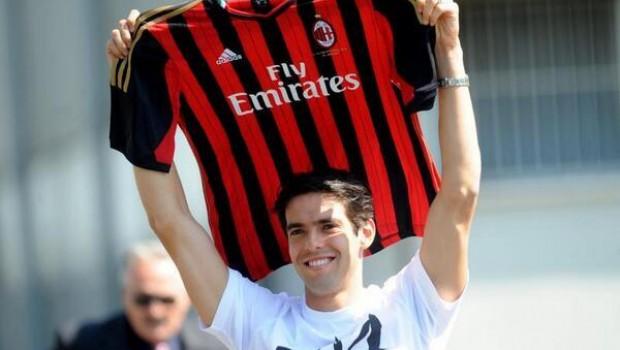 Kaká fue presentado nuevo jugador del AC Milan.