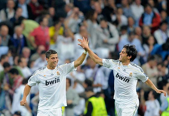 Cristiano Ronaldo and Kaka, two of the most expensive signings in the history of football, the two work Florentino.
