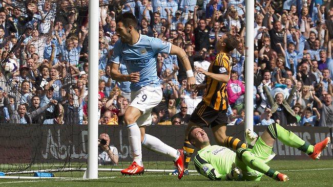Negredo ha marcado ya dos goles de cabeza en la Premier.