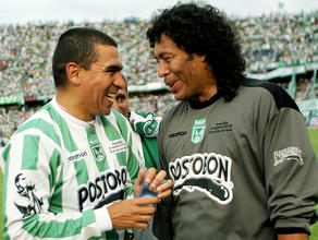 Aristizabal and Higuita, two Colombian football that failed in the Spanish League.