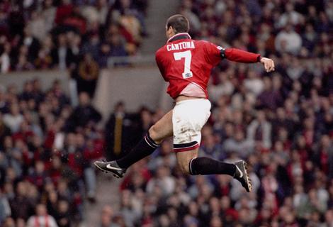 Eric Cantona siempre espectacular.