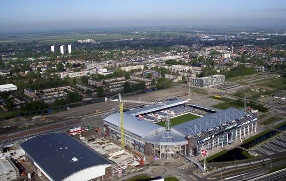 estadios más grandes que sus ciudades