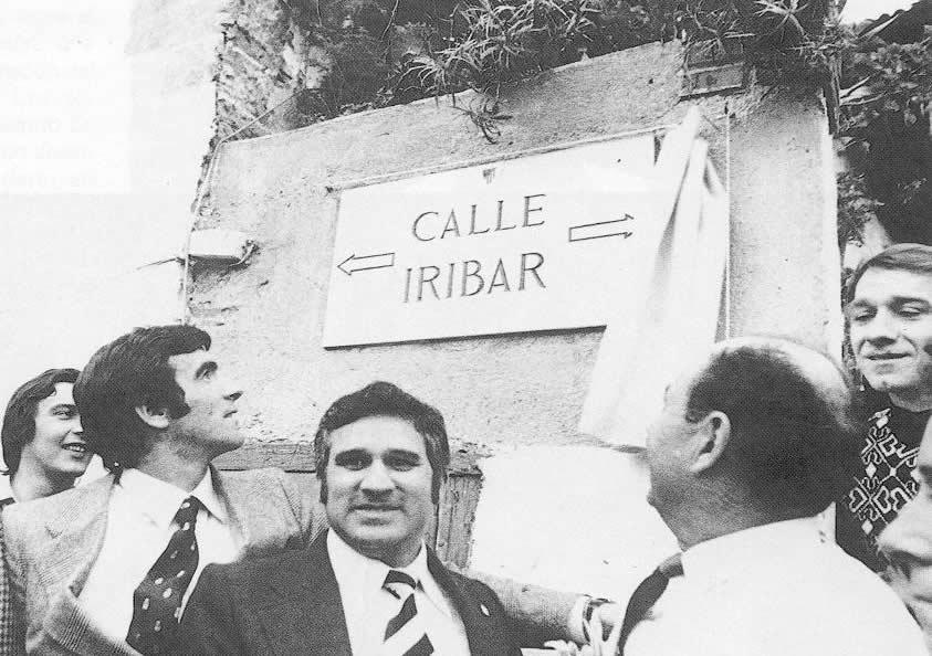 A Iribar le dedicaron una calle en Asturias por su gran trayectoria.