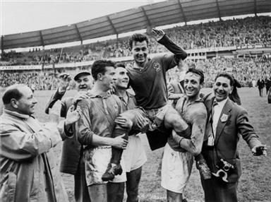 Fontaine acabó a hombros en Suecia 1958.