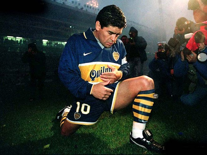 He played his last minutes with 10 Boca the late 90.