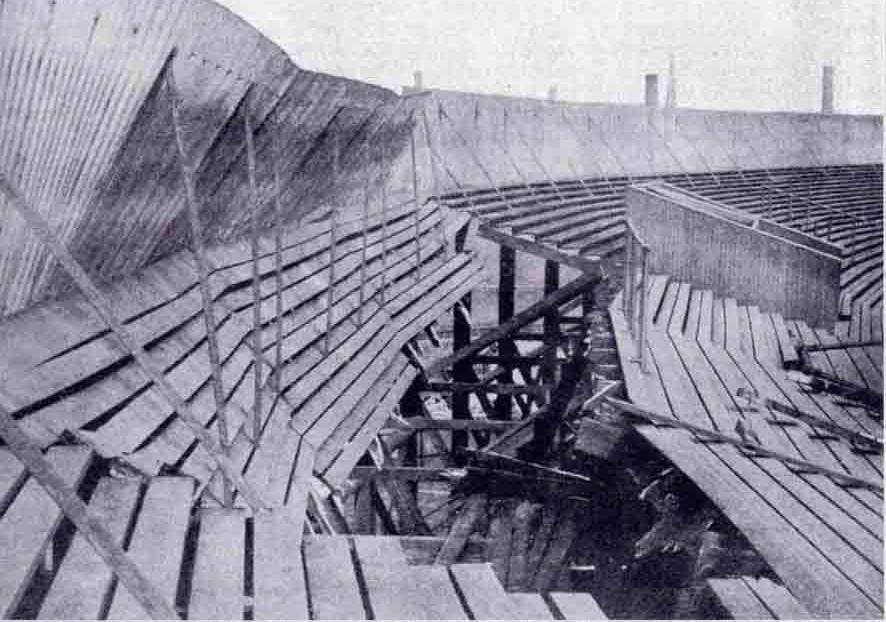 Imagen de como quedó la grada tras el desastre de 1902.