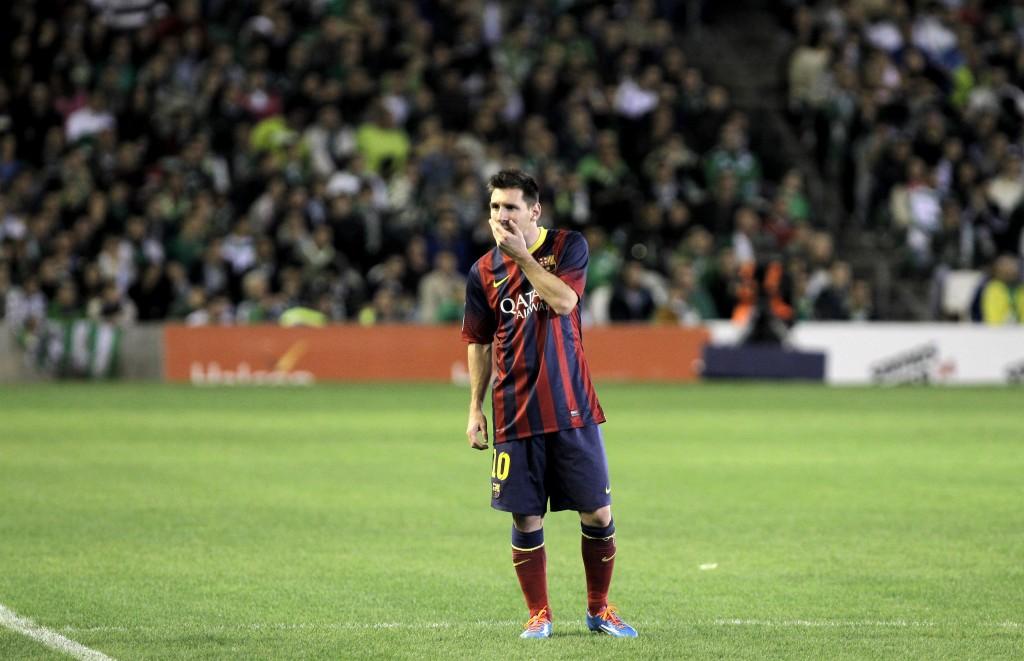 Tercera lesión de la temporada para Messi, muy lejos de ser el que era.