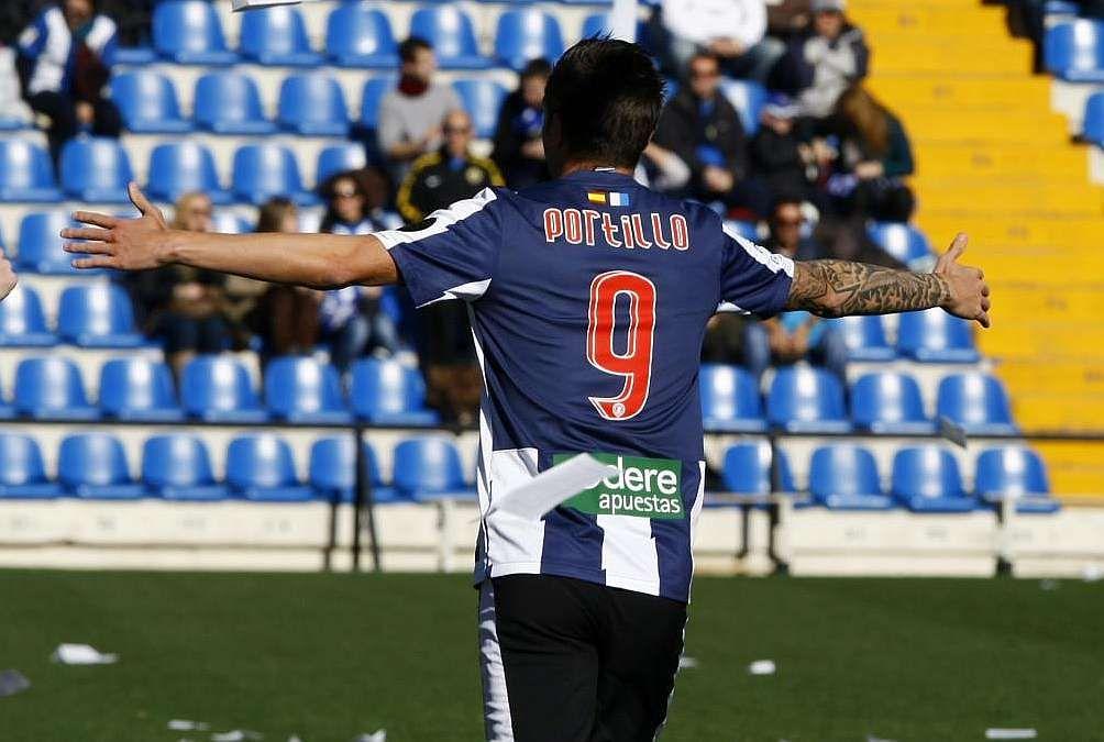 Javier Portillo las enchufa en el Hércules.