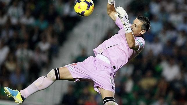 Roberto, Granada goalkeeper, It is in a superb run of form.