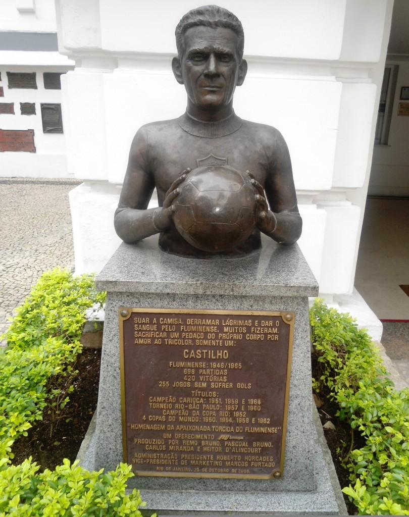 En la sede del Fluminense está un busto en su honor.