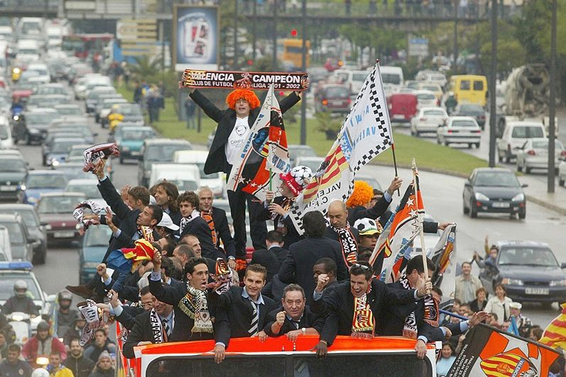 Valencia won the League 2002, two years later would win the 2004.