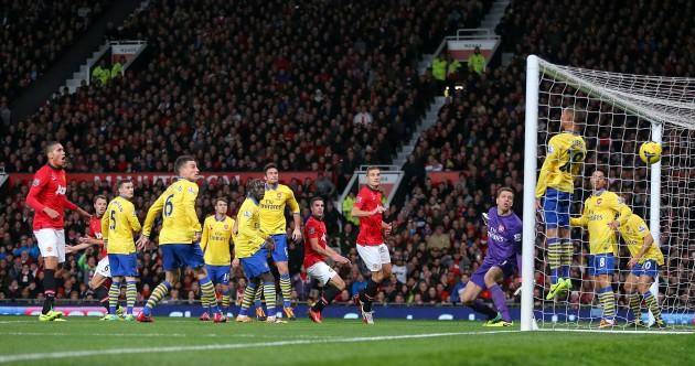 Van Persie dio el gol del triunfo al United sobre el Arsenal.