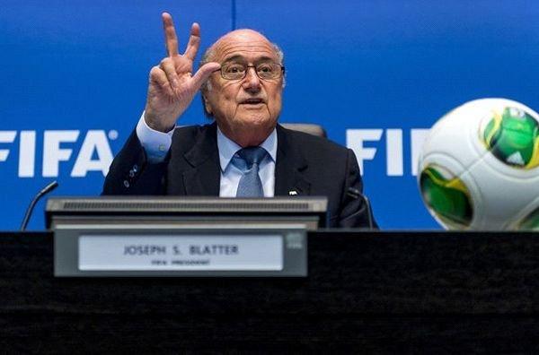 Blatter no da ni una últimamente.