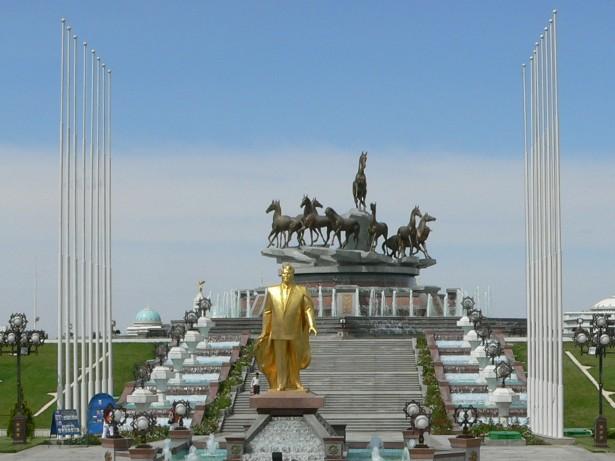 Turkmenistan-Ashgabat-1-2