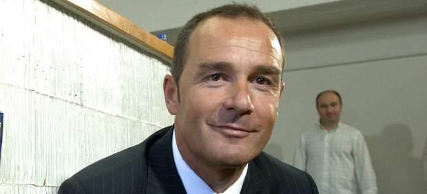 Víctor Fernández acabó en Bélgica su última aventura.