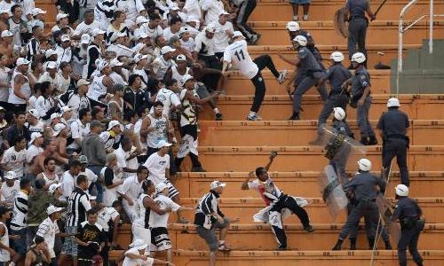 La violencia en los estadios es cada vez mayor en Sudamérica.
