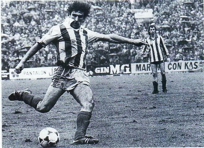 Zamora, uno de los últimos jugadores que preferían el amor a un club al color del dinero.