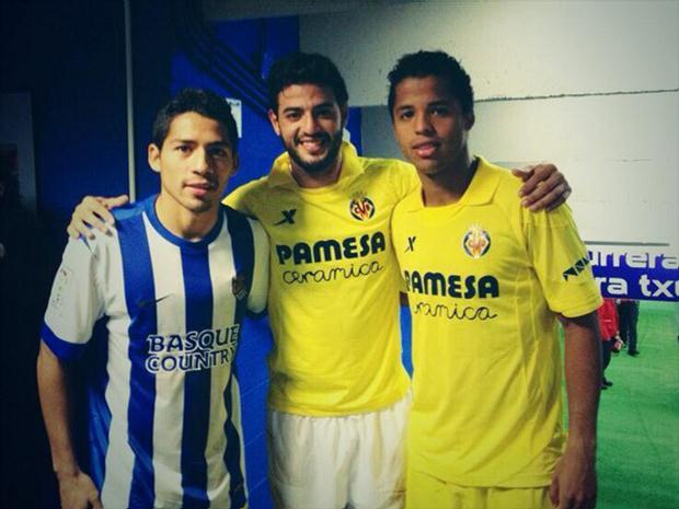 Vela con Aquino y Gio Dos Santos cuando los mexicanos jugaban en el Villarreal.