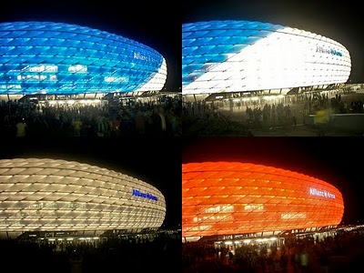 The Allianz Arena changes color depending plays.