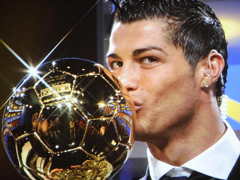 Cristiano Ronaldo ha ganado su segundo Balón de Oro.