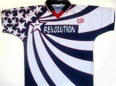 We started with a typical shirt USA. A real mix of stars and American colors. Digna Captain America.