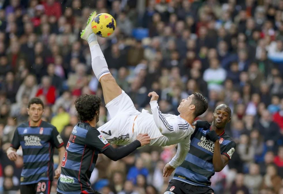 Ronaldo estuvo a punto de marcar de chilena.