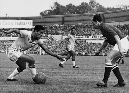 Garrincha fue una de las piezas claves del Mundial de Suecia.